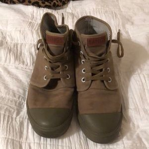 Army green bangs shoes!